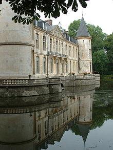 Chateau d'Ermenonville.jpg