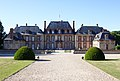 Chateau de Breteuil sud.jpg