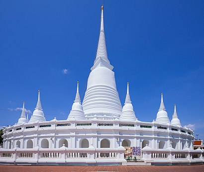 How to get to วัดประยุรวงศาวาส with public transit - About the place