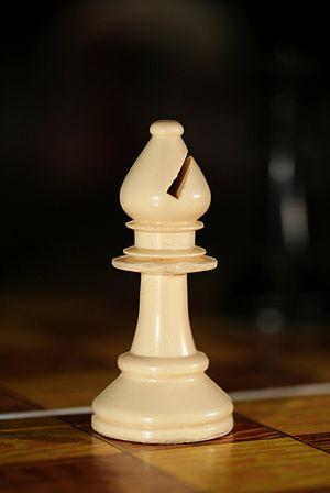 English: A Chess Bishop. Français : Un fou de ...