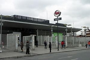 La Cisterna - La Cisterna metro station