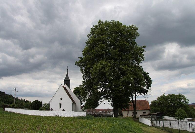 kostel sv. Jakuba a Filipa v Hejné