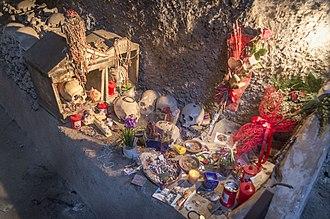 Fontanelle cemetery - Image: Cimitero delle Fontanelle DM 026