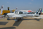 Cirrus SR22 GTS 'N117ZS' (16722159810).jpg