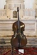 Contrabbasso fatta da Niccolò Amati a Cremona nel 1670.jpg