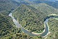 Cool Bend on Whanganui River - panoramio.jpg