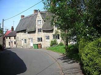 Wollaston, Northamptonshire - Image: Cottages in Hickmire, a street in Wollaston geograph.org.uk 404536
