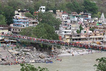 Crowd On Lakshman Jhula, Rishikesh.jpg