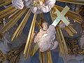 DD Frauenkirche Engel mit Kreuz.jpg