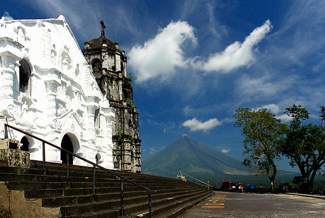 9th place (tie): Daraga Church, by Angelonce