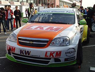 Craft-Bamboo Racing - Title showdown. O'Young on the grid in Macau 2010.