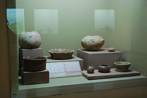 Mokaya - Painted ceramics with decorative features such as shell impressions, and use of reflective hematite; 1700-1300 BCE, from Paso de la Amada, Mazatán. Regional Museum of Anthropology and History of Chiapas, Tuxtla Gutierrez