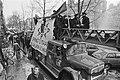 Demonstratie brandweer in Amsterdam tegen sluiting kazerne aan het Haarlemmerple, Bestanddeelnr 932-8460.jpg