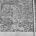 Detail gevel met sporen van dichtgemetselde vensters - Herten - 20340770 - RCE.jpg