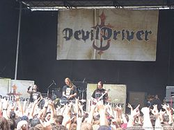 Devildriver-08 14 04-east troy-001.jpg