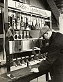 Drank-automaat voor likeur - Liquor machine on the Leiziger Messe (4900465857).jpg