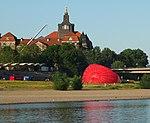 Dresden inflatin a hot air balloon.JPG