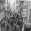 Drukte in de Amsterdamse winkelstraten, Bestanddeelnr 915-8081.jpg