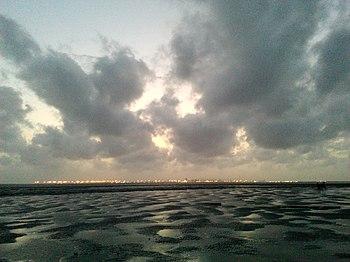 Dumas Beach Gujarat.jpg