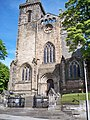 Dunfermline Abbey in the Sun.jpg