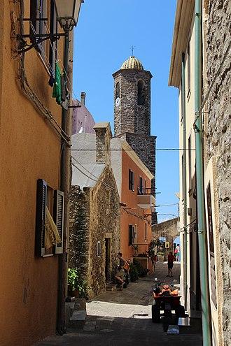 Castelsardo - Image: Duomo di castelsardo, campanile del xiii xiv sec. 01