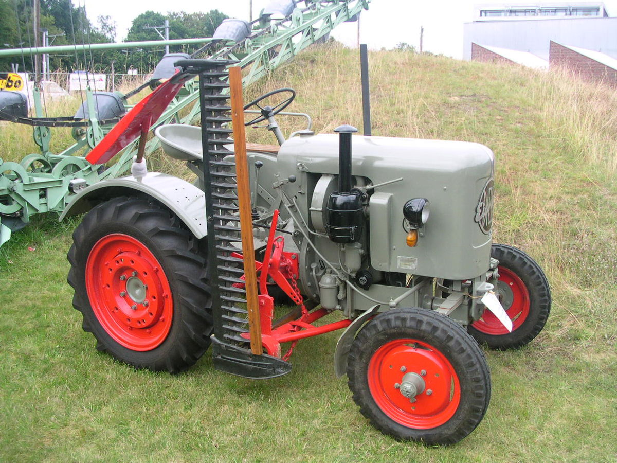 bulldog mowers mower wikipedia 7257