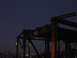 Elevated supports on Charlestown bridge.JPG