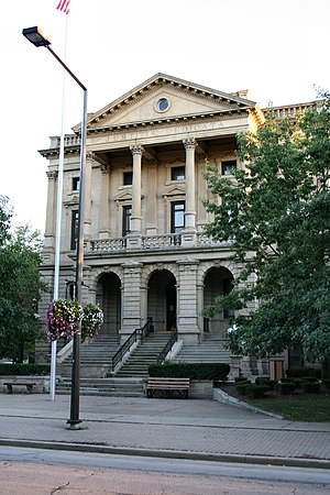 Lorain County, Ohio - Image: Elyria ohio old county building