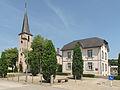 Erpeldange, kerk in straatzicht foto1 2014-06-09 14.38.jpg
