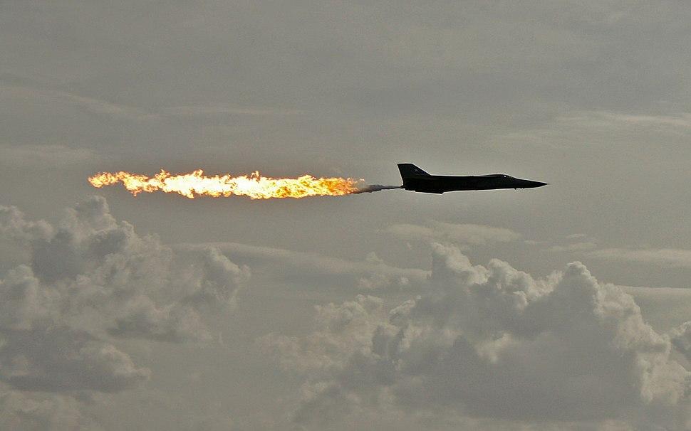 F-111-Fuel-Dump,-Avalon,-VIC-23.03.2007