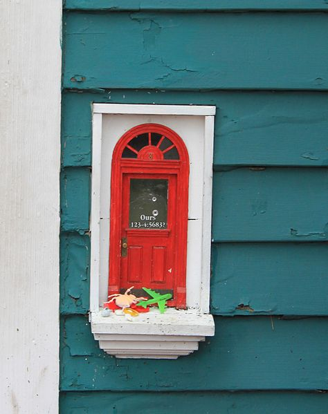 File fairy door at red shoes ann arbor michigan close up for Works elf door