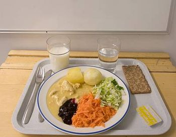 English: Example of Finnish school lunch Suomi...