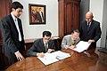 Firma de Convenio entre Ecuador-Japón (6841616462).jpg