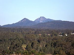 Teviot Range - Flinders Peak (right) in Peak Crossing and Mount Perry in Lyons seen from Ipswich, 2016