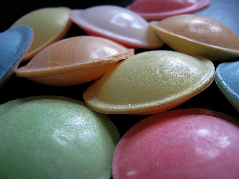 File:Flying saucer (confectionery).jpg