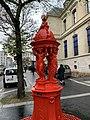 Fontaine Wallace Rouge Rue Belgrand Paris 1.jpg