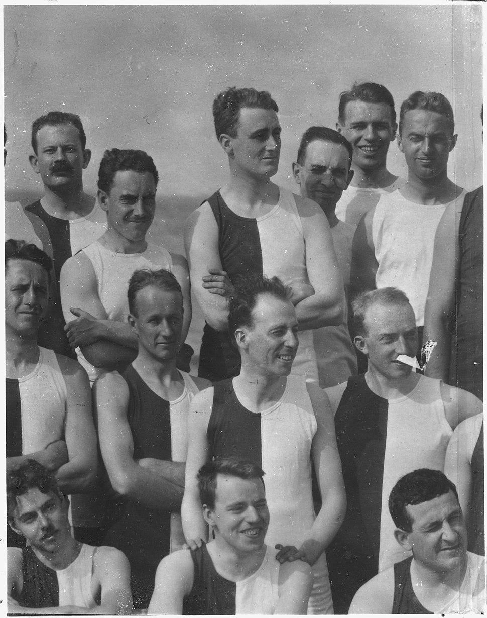 Franklin D. Roosevelt with Harvard class of 1904, group shot in Nantasket Beach, Massachusetts - NARA - 195358