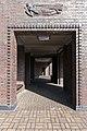 Friedhof Ohlsdorf (Hamburg-Ohlsdorf).Neues Krematorium.Bauschmuck.Kuöhl.Schwebender Engel mit betend erhobenen Händen.1a.29622.ajb.jpg