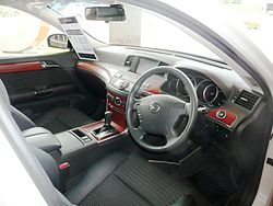 "Nissan Fuga ""Warm Tech"" interior"
