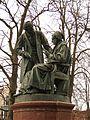 Göttingen-Gauß-Weber-Monument.02.JPG
