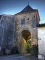 Galan, Hautes-Pyrenees, porte de la ville.jpg