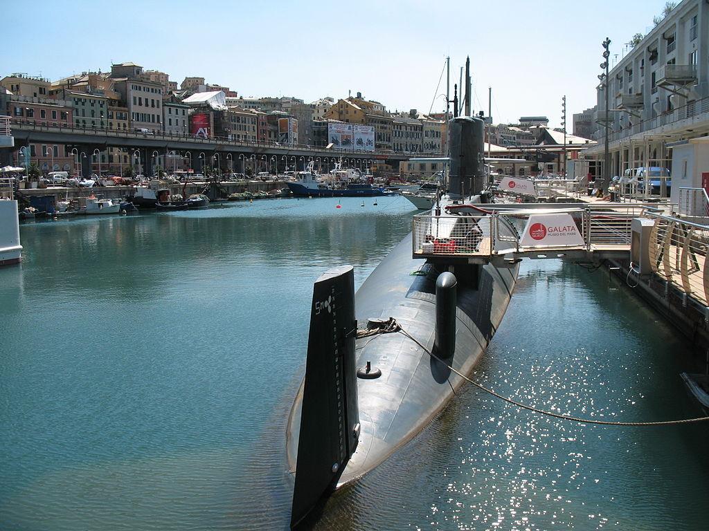 Sous-marin situé devant le musée Galata à Gênes - Photo de Twice25/Rinina25.
