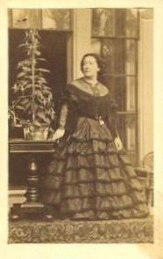 Giulia Grisi - La Marquise, Juliette de Candia, née Giulia Grisi, photographed circa 1860
