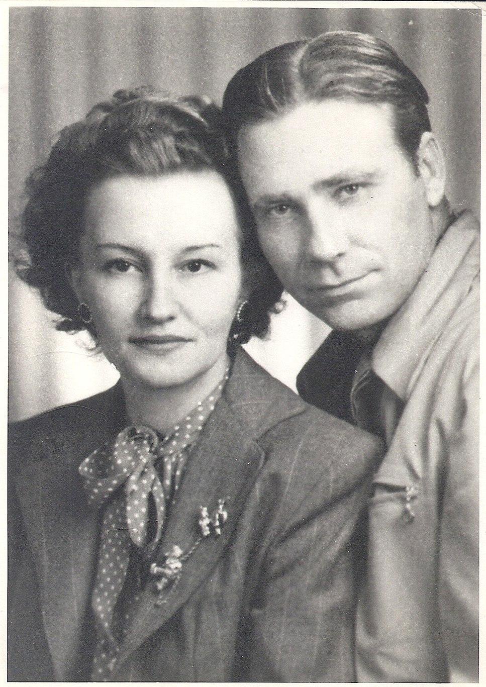 Gladys clyde wedding photo 1948