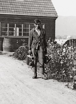 Friedrich Glauser w szkole ogrodniczej w Oeschberg, 1930