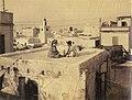 Gloeden, Wilhelm von (1856-1931) - n. 2558 - Adolescents sur la terrasse d'une maison, Tunis - Auch ich in Arkadien, p. 197.jpg