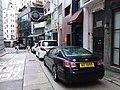 HK 上環新街 Sheung Wan New Street August 2018 SSG sidewalk carpark Lexus black.jpg