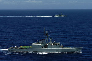 HMCS Algonquin (DDH 283) and HMCS Regina (FFH 334) during RIMPAC 2006.jpg