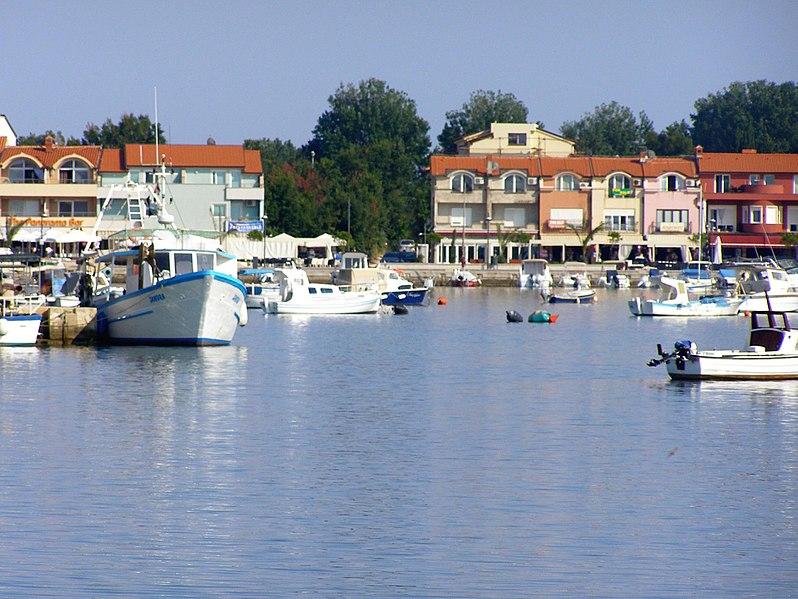 File:Hafen Medulin.jpg