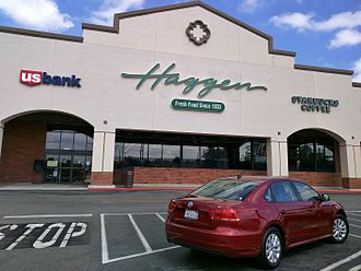 Haggen - Haggen in Woodland Hills, CA shortly after transitioning from Vons in April 2015. Now subdivided into Pet Food Express and Bristol Farms